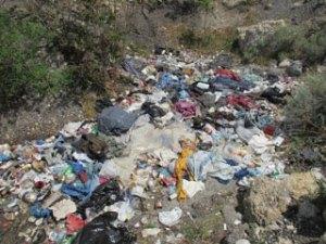 Victory-Road-Garbage