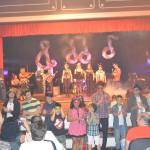 Festival de alunos tocando em apresentação
