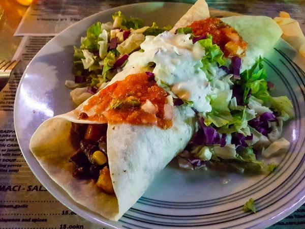 Burrito in der CHIHUAHUA Cantina Mexicana