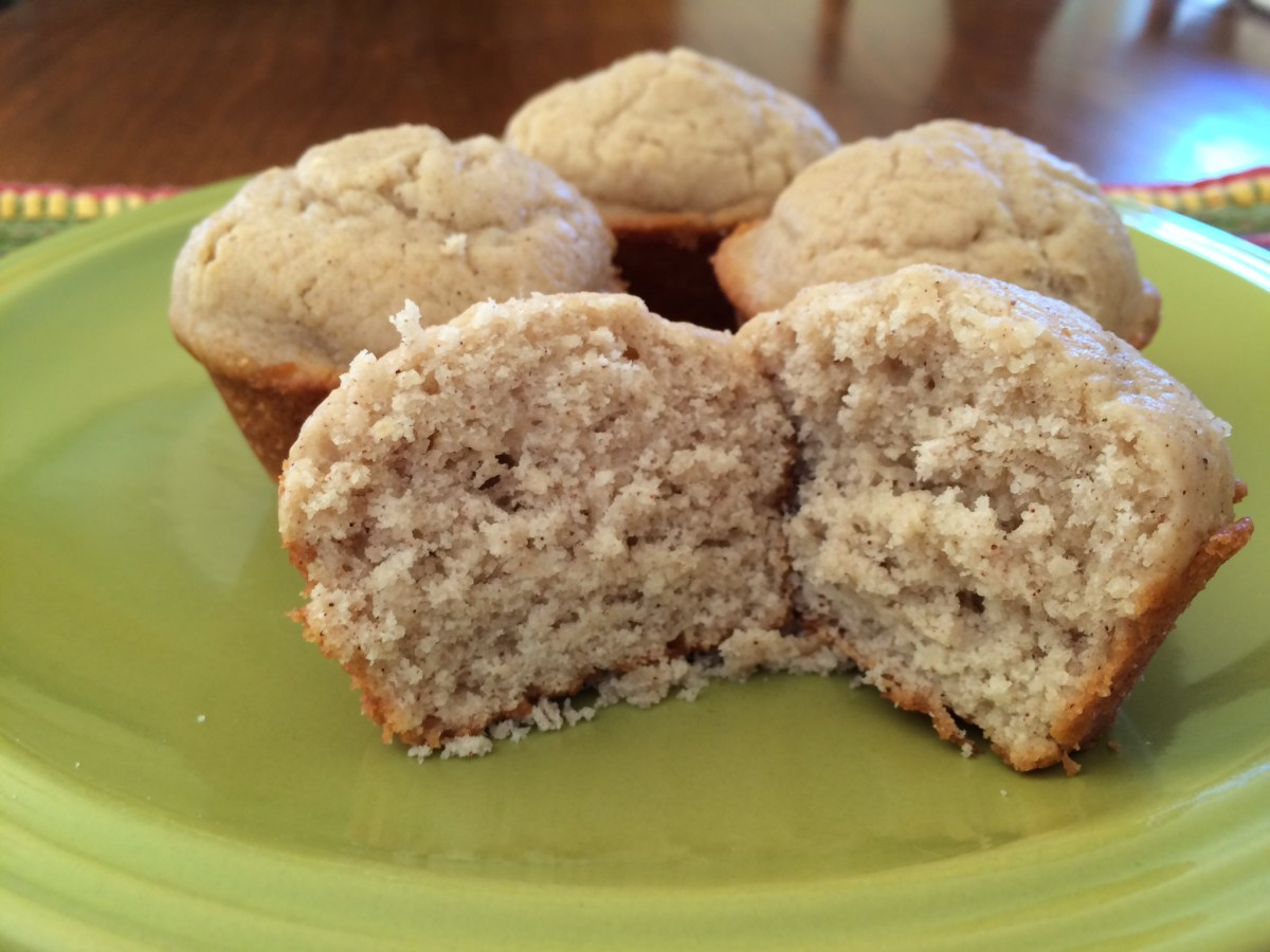Applesauce Muffins and Book Review