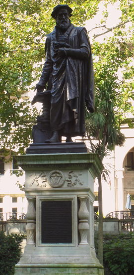 Embankment Statue, William Tyndale