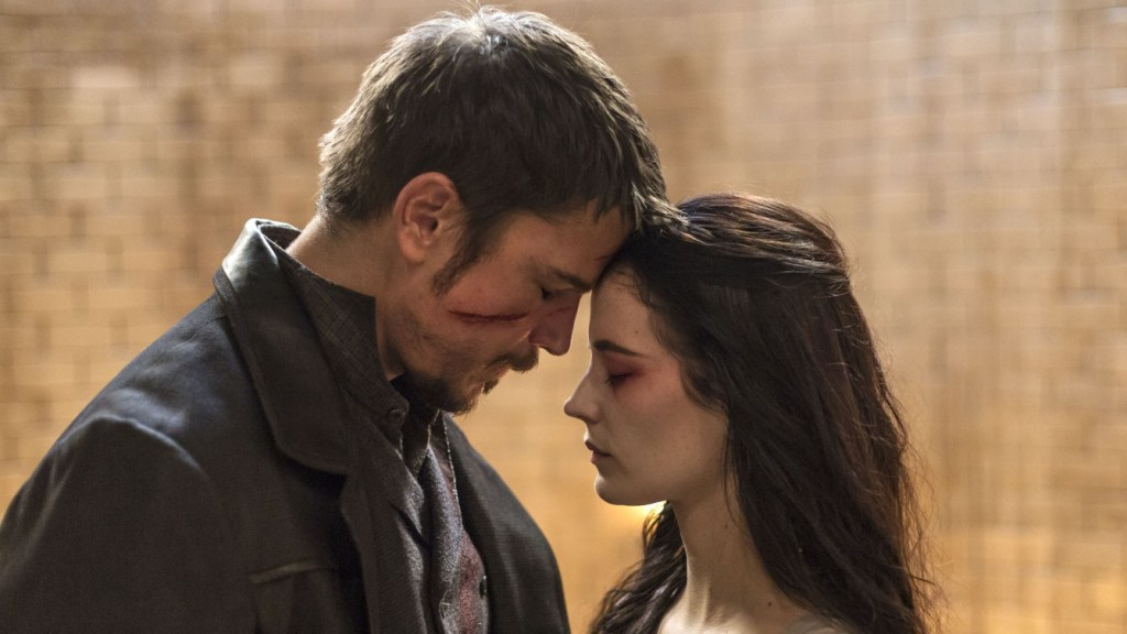 Josh Hartnett as Ethan and Eva Green as Vanessa Ives in Penny Dreadful (season 3, episode 9). - Photo: Patrick Redmond/SHOWTIME - Photo ID: PennyDreadful_309_1596