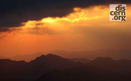 Sun rise on Mt. Sinai 2 by Endlisnis