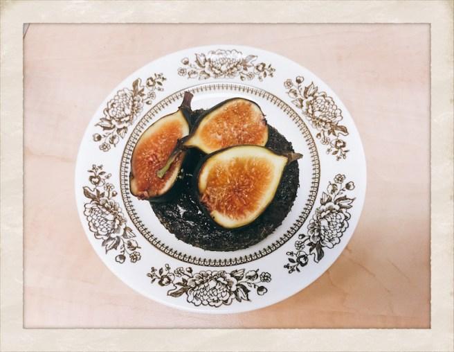 chocolate-fig-cake