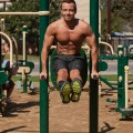 joey-lawrence-shirtless-six-pack-working-out-10202011-04-663x1024