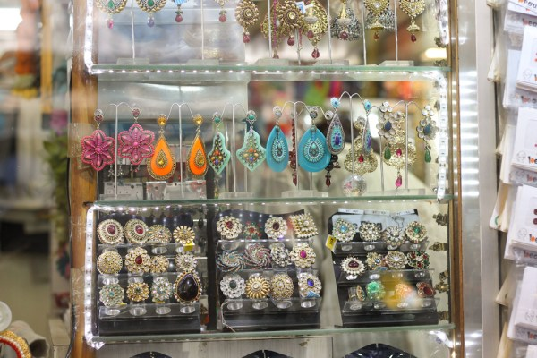 Santacruz Sari Shopping