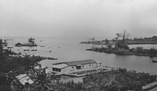 Port w Monrovii, stolicy Liberii. W latach 30. członkowie Ligi Morskiej i Kolonialnej uznali, że Liberia idealnie nadaje się na miejsce dla realizacji naszych aspiracji kolonialnych.