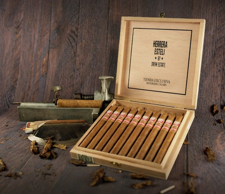 drew-estate-tienda-exclusiva-willy-herrera-riverside-cigars-770x664