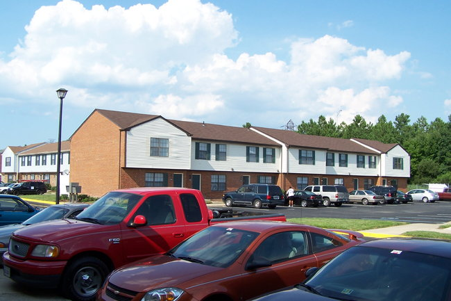 College Square At Harbour View Townhouse Apartments 45 Reviews