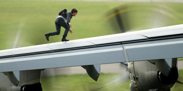 http://i2.wp.com/cinemaecuador.com/wp-content/uploads/2015/03/Mission.Impossible..Rogue_.Nation..Image_.1.000.jpg?resize=600%2C300
