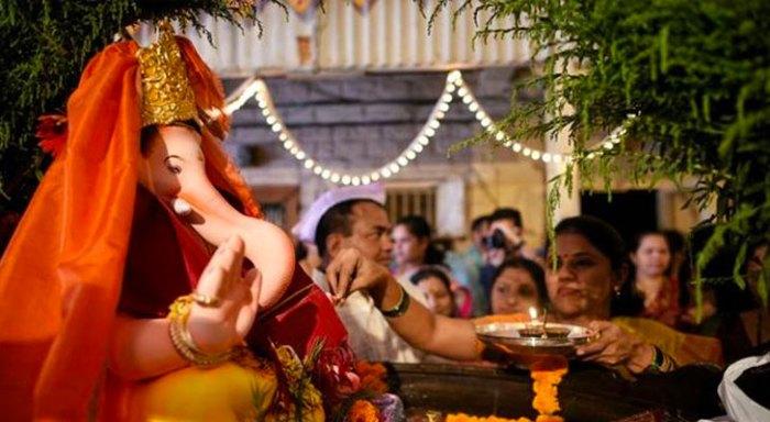 keshavji_naik_chawl_girgaon_must_visit_ganpati_pandal_2016