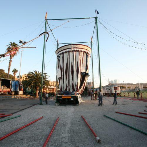 Montaje del Circo Raluy en Barcelona