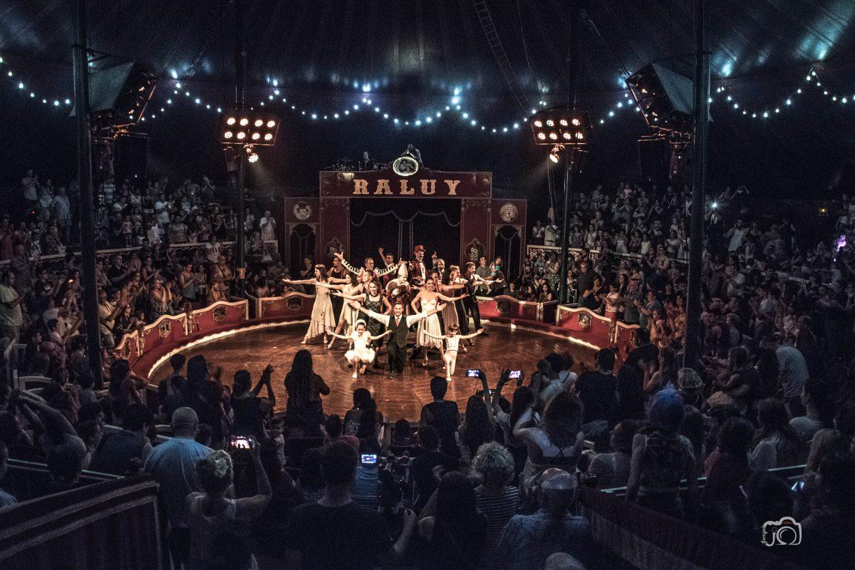 Final del Espectáculo del Circo Raluy Legacy