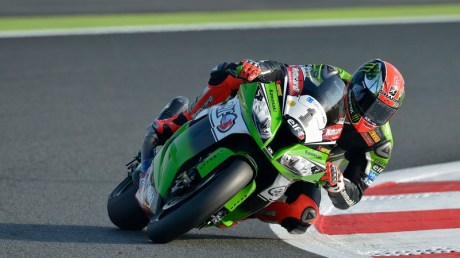 Tom Sykes will defend his title in this weekend¹s two Qatari races
