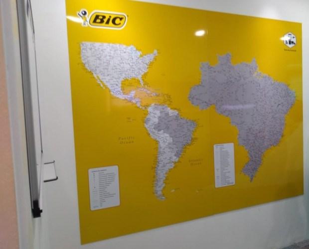 Mapa Painel magnético com conteúdo personalizado e legenda magnética externa