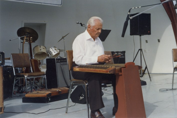 Nick Mischi playing the dulcimer. Photo courtesy of the Provincial Archives of Alberta PR2014.2204.0035.0002.