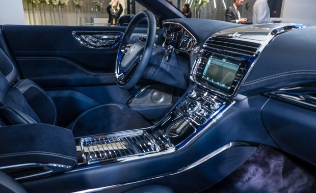 Lincoln-Continental-concept2