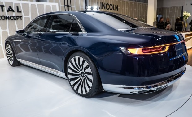 Lincoln-Continental-concept3