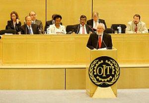 05. OIT: La Conferencia de la OIT adopta por primera vez una Norma Internacional del Trabajo sobre VIH/SIDA