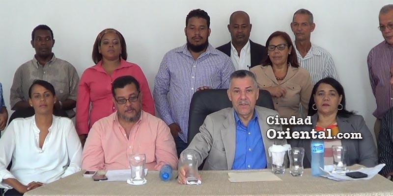 Manuel Jiménez anuncia caminata por restauración de la democracia