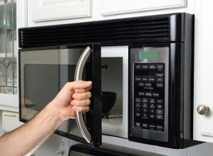 Easiest Way to Clean Microwave