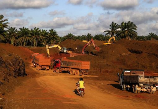 Bauxite Mining Ban in Pahang will be 'Extended as long as Necessary'