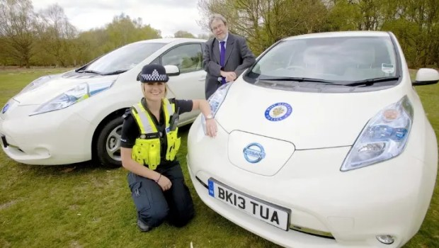nissan-leaf-police-uk