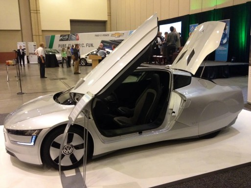 Volkswagen XL1 gull wings