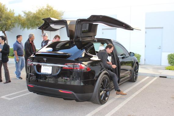 Tesla Model X negro