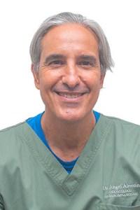 Dr Angel Antonio Alemán Hernández- Odontólogo, cirujano e implantólogo.    Número  colegiado: 38001236