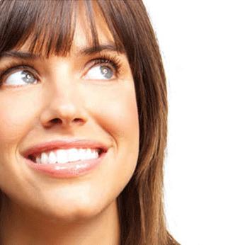 Blanqueamiento Dental. Sonrisa alineada y bella.