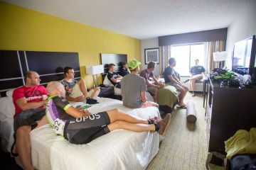 Pre-race meeting in hotel room - photo by Les Morales