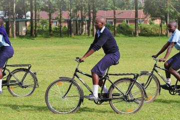 world-bicycle-relief-kenya-girls