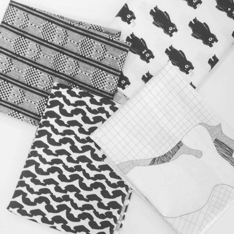 This Week in Sewing Blogs. vol 86 // Monochrome quilting cottons