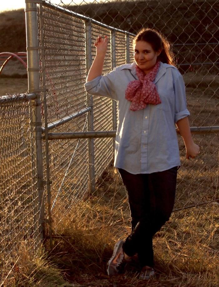Modest Fashion Inspiration: Skinny Jeans + Chambray Shirt