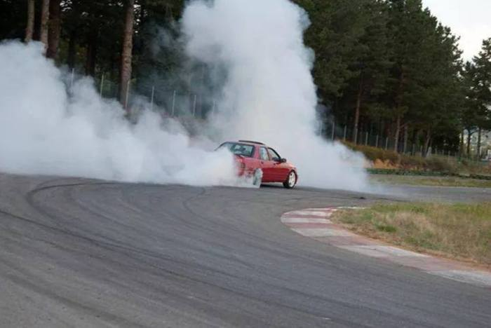 Ford Sierra burnout