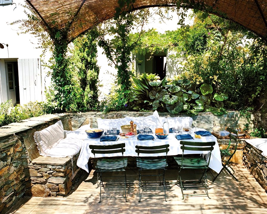 outdoor-dining-room-al-fresco-stone-garden-cococozy-vogue