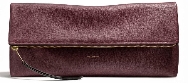 Large Coach clutchable in oxblood pebbled leather