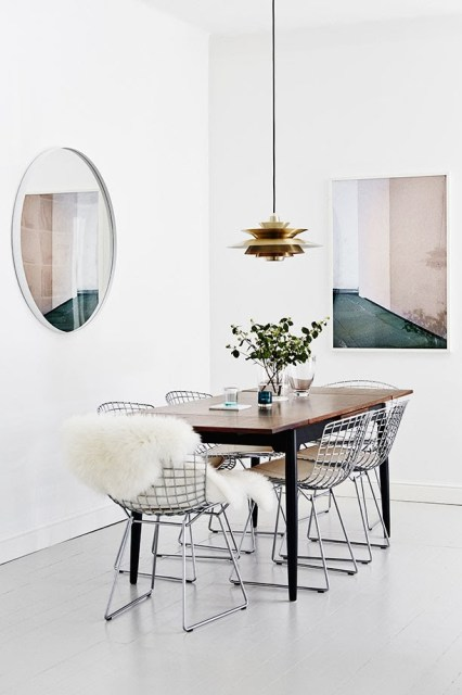 Modern dining room with Bertoia side chairs