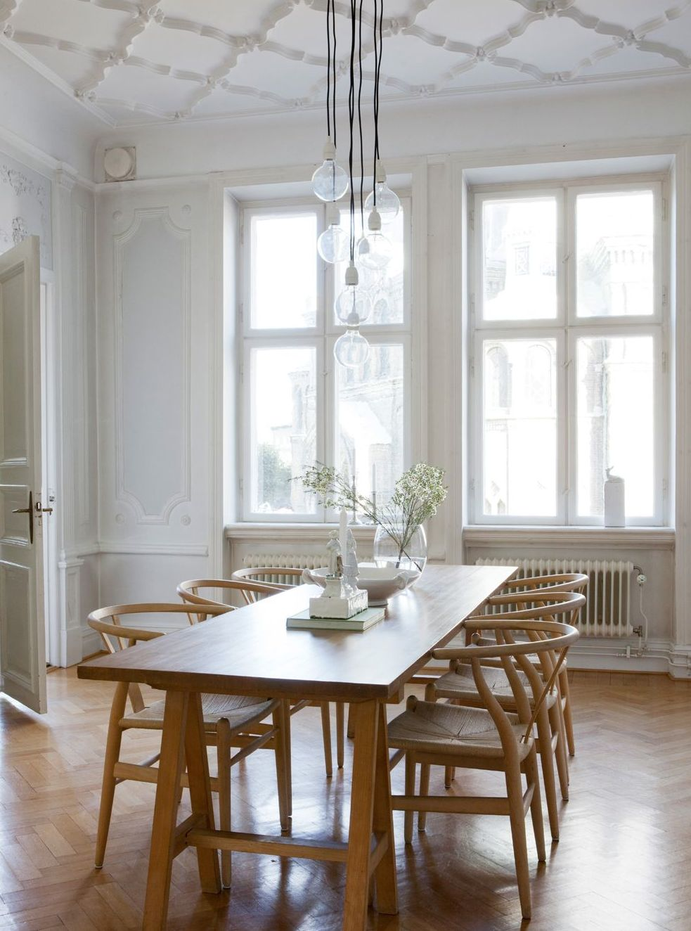 Beautiful classic apartment - via Coco Lapine Design