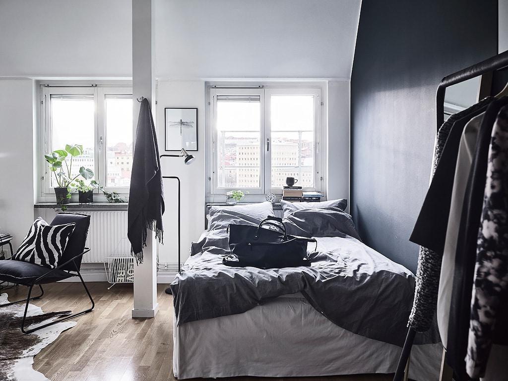 Dividing a room by wall color - via cocolapinedesign.com