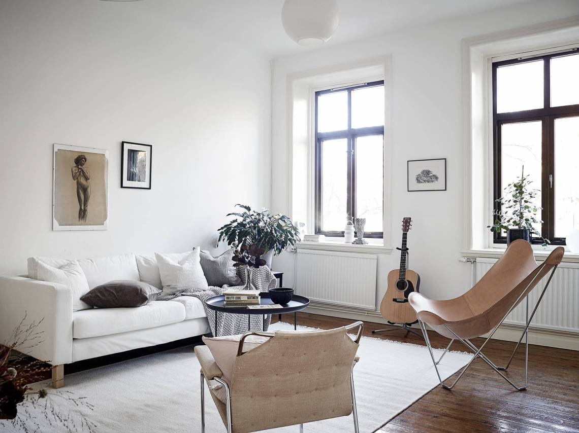 Home with brown details - via Coco Lapine Design