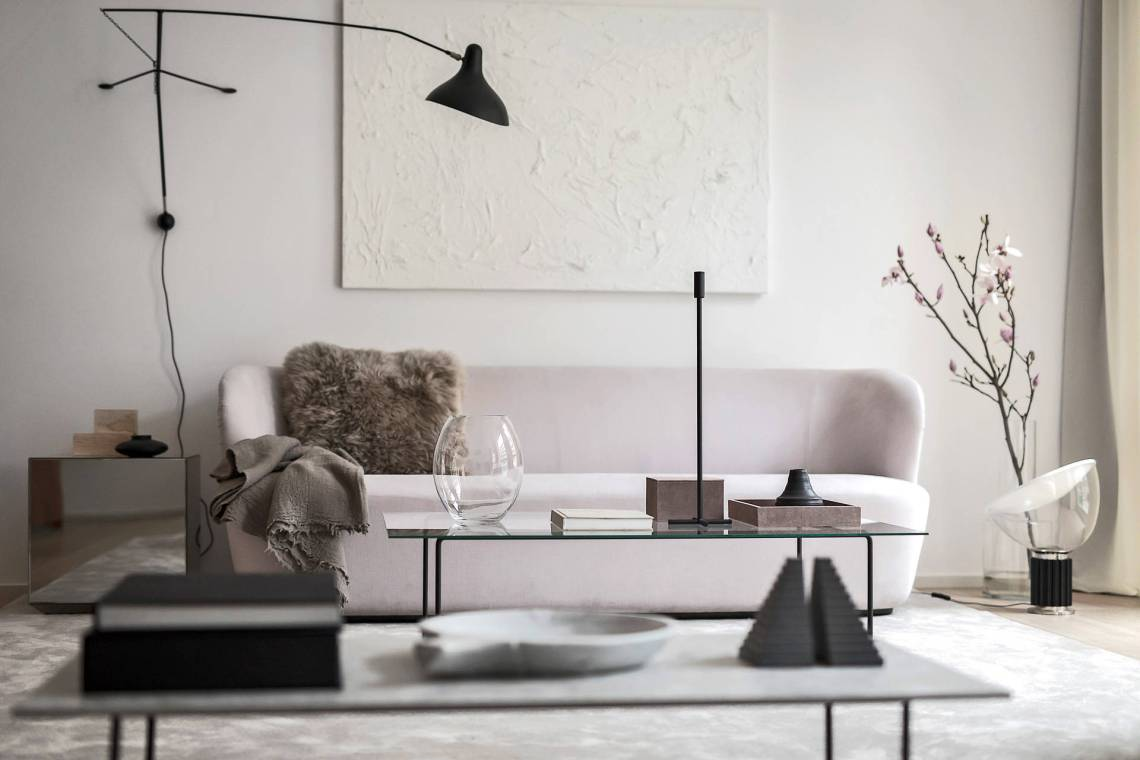 Minimal and chique home - via Coco Lapine Design==