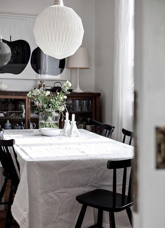 Cozy classic home - via Coco Lapine Design