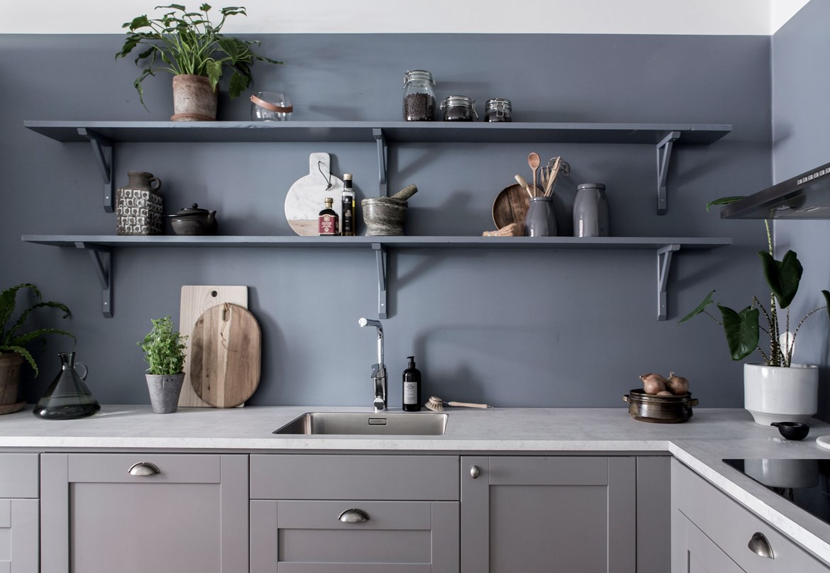 Blue kitchen wall coco lapine designcoco lapine design for 2 wall kitchen designs