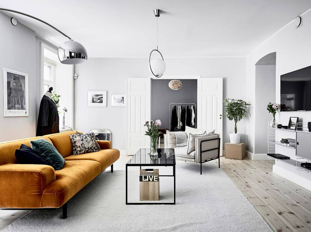 Stylish and colorful home - via Coco Lapine Design blog