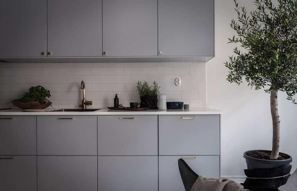 Cozy and inviting home - via Coco Lapine Design blog-1958812055-rszww1170-80