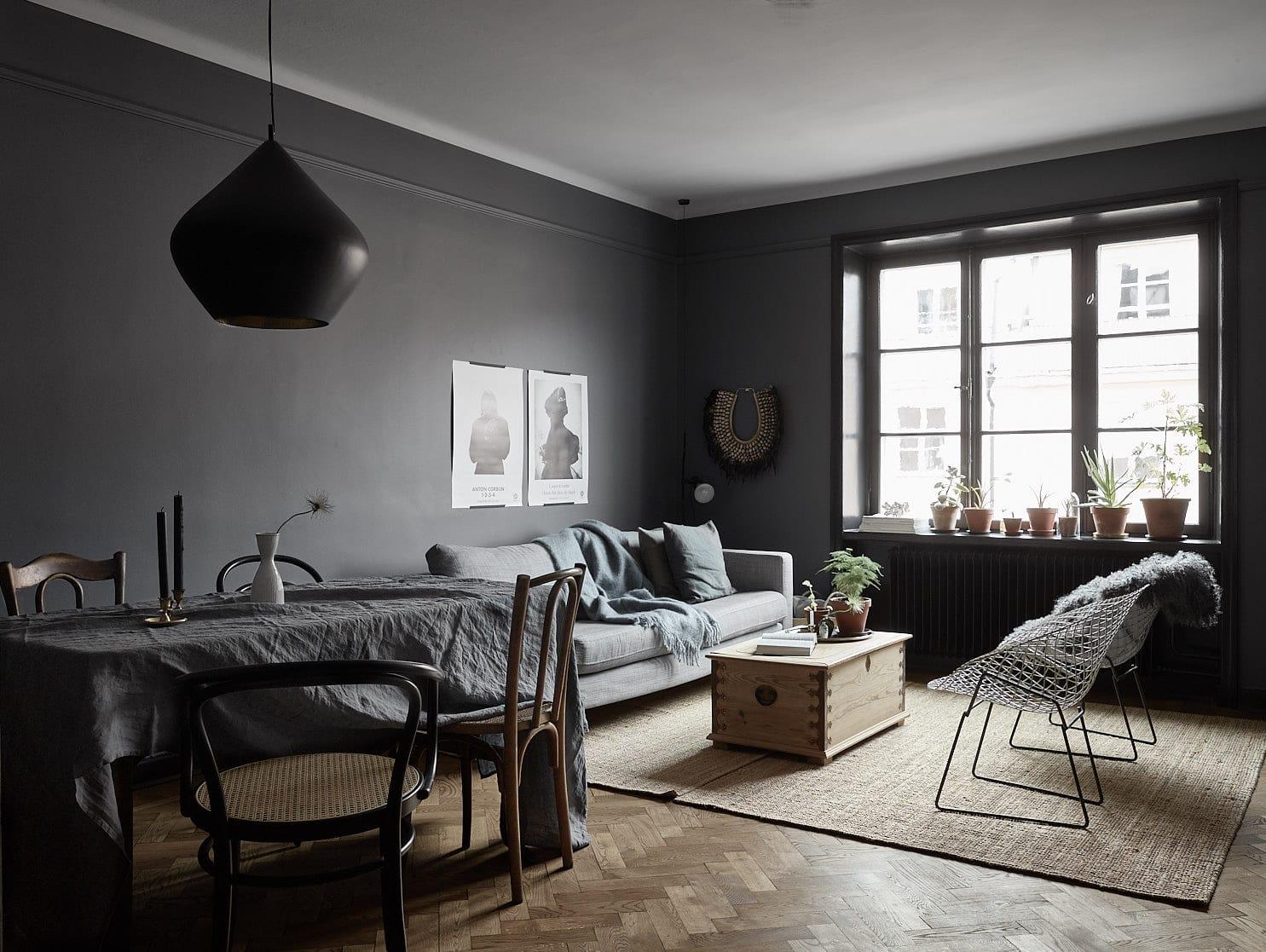 A beautiful home in dark colors COCO LAPINE DESIGNCOCO LAPINE DESIGN