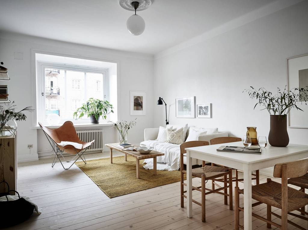 Beautiful home with warm colors - via Coco Lapine Design blog