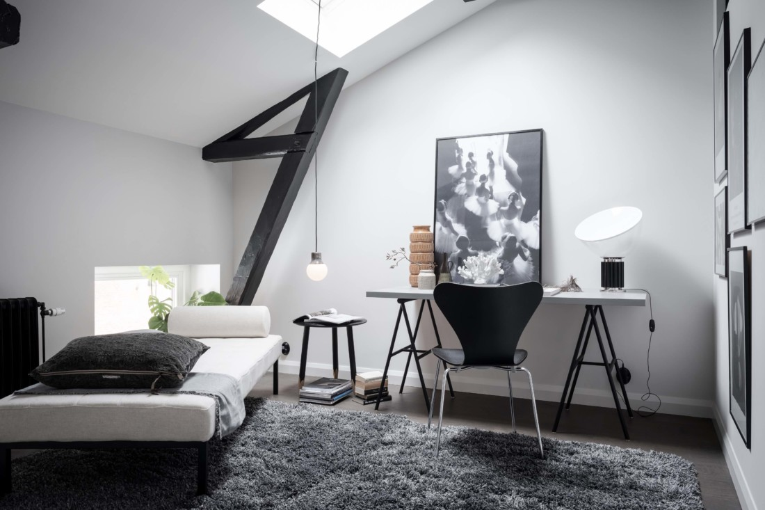 Exclusive home with an exposed brick wall | COCO LAPINE DESIGN ...